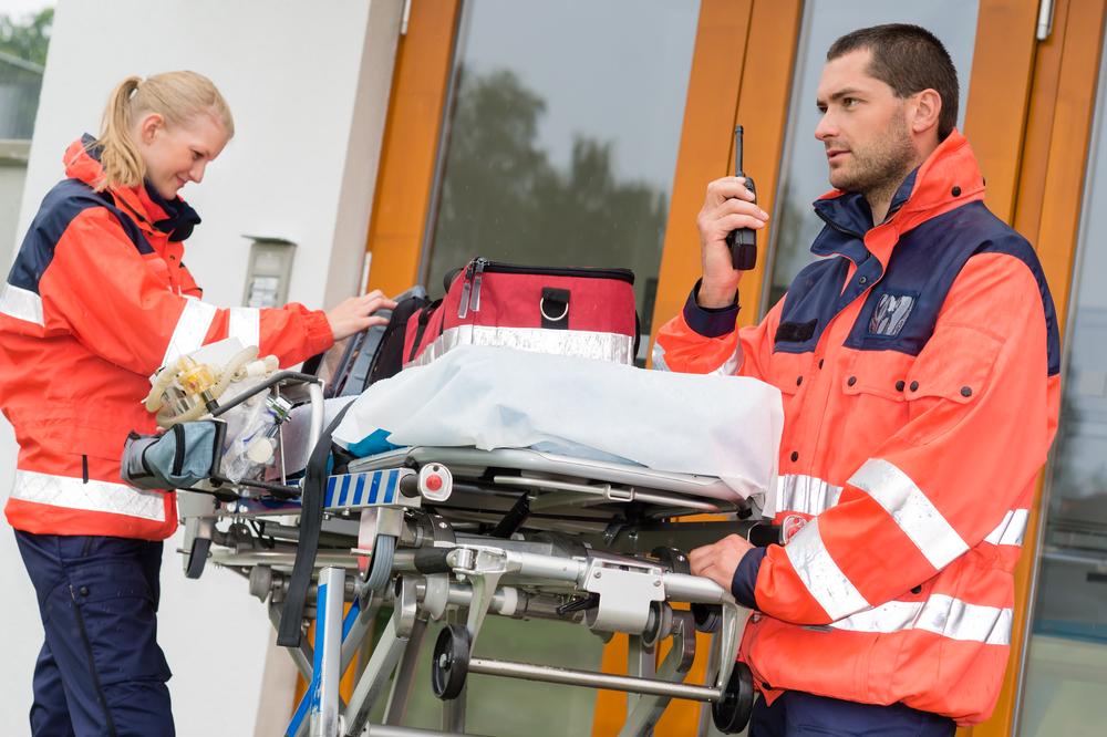 Rettungssanitäter ausbildung  Ausbildung zum Rettungssanitäter und das Gehalt